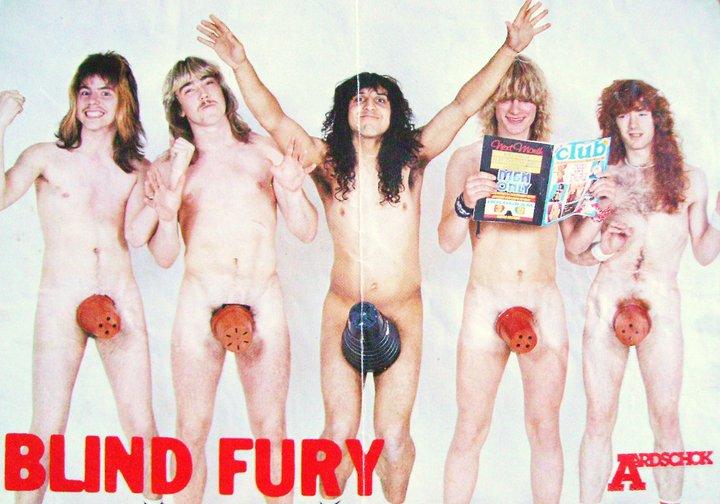 Satan, désormais devenu Blind Fury, bien avant les Red Hot Chili Peppers avec leurs bas...