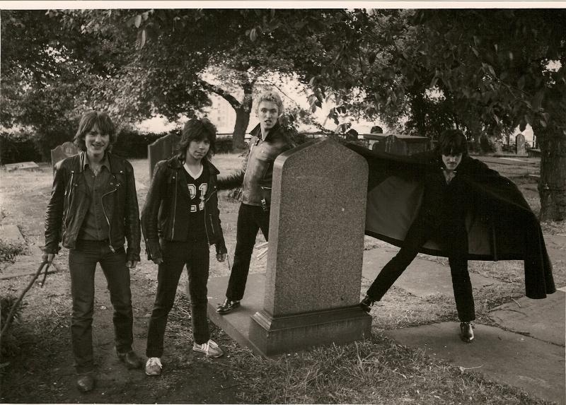 Le groupe Satan à ses débuts, avec pas de chanteur.