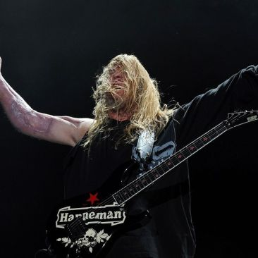 Guitarist-Jeff-Hanneman-Of-Slayer-during-The-Big-4-held-at-the-Empire-Polo-Club-on-April-23-2011-in-Indio-California-1866837