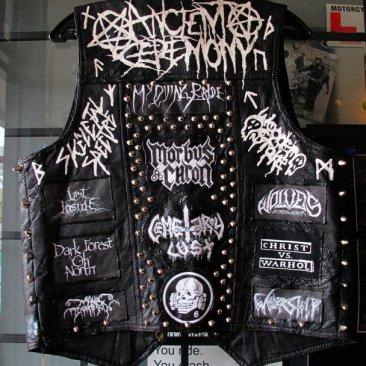 black-metal-vest-rerides_8437