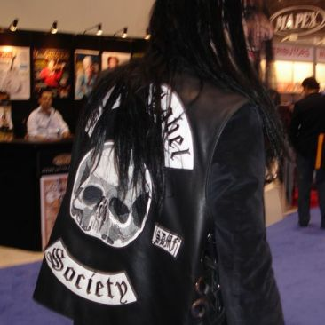 Mike_wearing_the_Official_Black_Label_Society_jacket