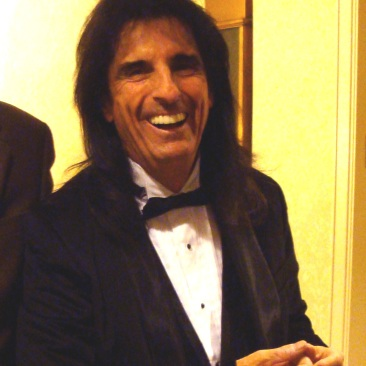 Waiting-to-be-inducted-to-the-R-R-Hall-of-Fame-Waldorf-Aatoria-NYC-alice-cooper-20270025-1152-1516