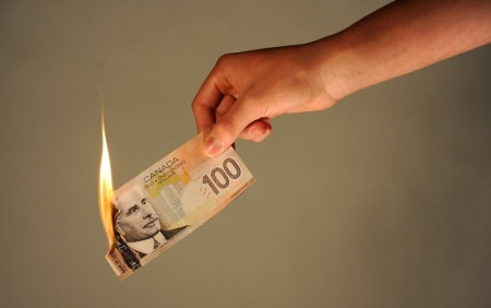 burning-money-canada