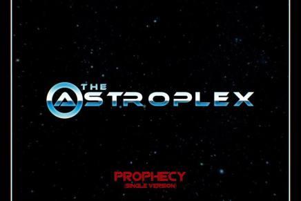 The Astroplex sort son premiersingle