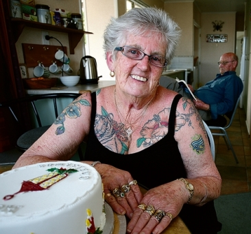 tattoo-lady