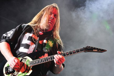 Jeremy Wagner te parle des guitares de JeffHanneman