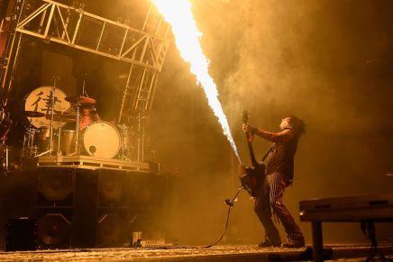 Mötley Crüe tease le film du dernierconcert