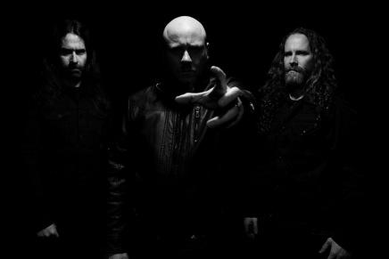 KING, un nouveau band de Blackened Death Metal pas piqué desvers