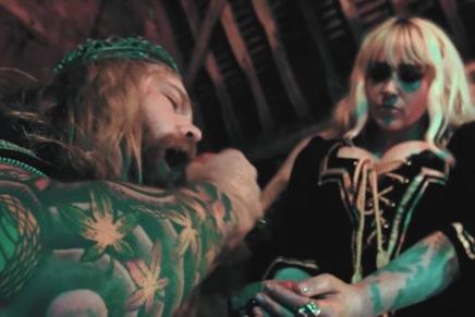 POLAR se la joue Game of Thrones avec des tattoos pis des implantsmammaires