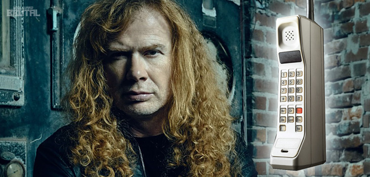 dave-mustaine-cellphone