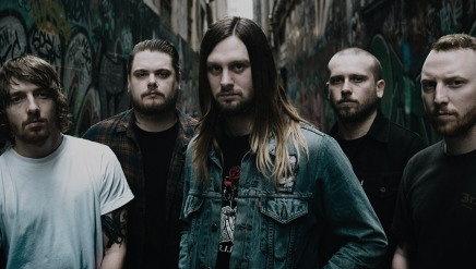 Le nouvel extrait de WHILE SHE SLEEPS est excellent!