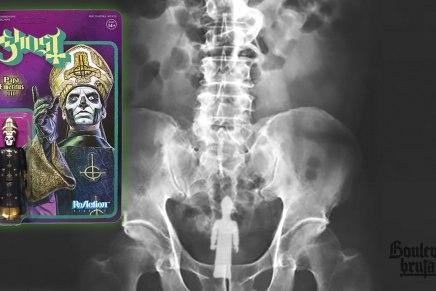EXCLUSIF! Un admirateur de Ghost s'insère une figurine de Papa Emeritus III dans lerectum